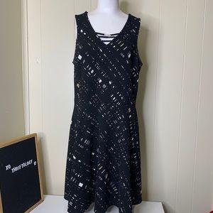 Apt. 9 Sleeveless Black & White Midi Dress Large